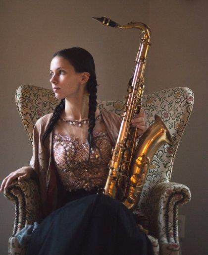 La saxofonista neoyorquina Maria Grand se une a otras dos artistas para cerrar julio en la sala Jimmy Glass