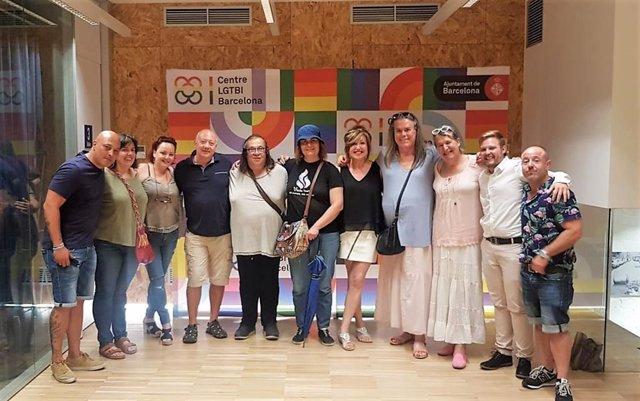 Miembros del colectivo transexual se reúnen en Barcelona para crear una Confluencia Trans, con el apoyo de la Federación Plataforma Trans.