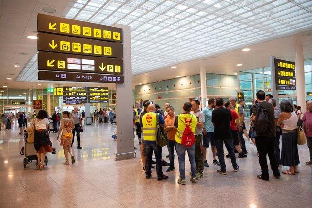 Imatges de la vaga del personal de terra d'Iberia a Barcelona (Aeroport Josep Tarradellas Barcelona-El Prat).