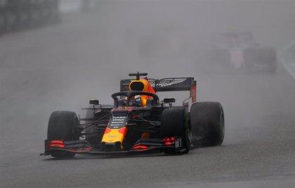 Verstappen gana en Hockenheim y Vettel remonta bajo la lluvia