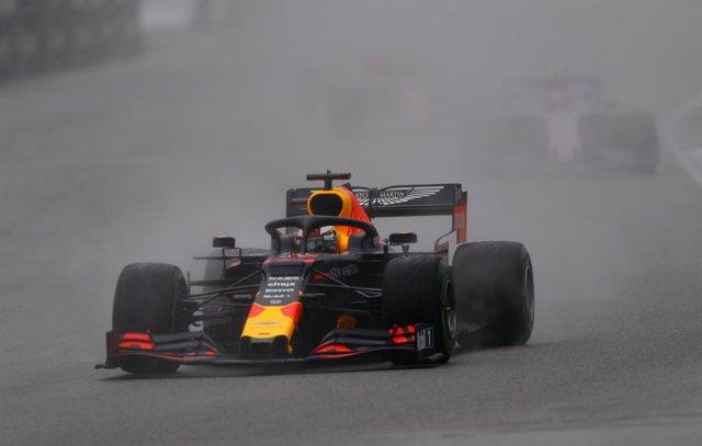 AV.- Fórmula 1/GP Alemania.- Verstappen gana en Hockenheim, Vettel remonta bajo la lluvia y los Mercedes ni puntúan