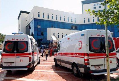 Al menos cinco médicos libios mueren por un bombardeo sobre un hospital de Trípoli