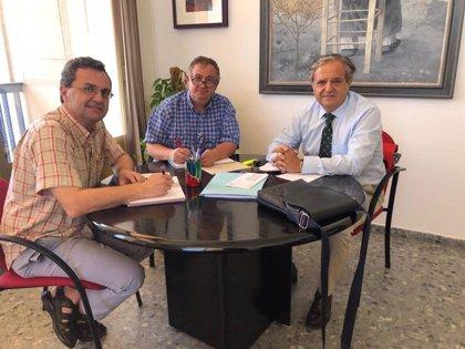 Fuentes se reúne con responsables del Consejo del Movimiento Ciudadano y la Federación de vecinos Al-Zahara