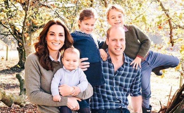 Los Duques de Cambridge y sus hijos: Louis, Charlotte y George