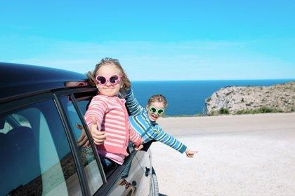 En carretera, 12 consejos para viajar seguros en verano