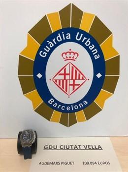 Recuperan un reloj de 100.000 euros robado a un turista con un bebé en brazos en Barcelona
