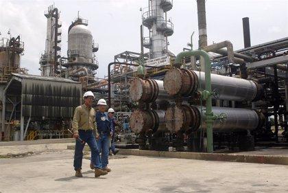 Colombia.- Incendiados cuatro depósitos de almacenamiento de petróleo en el noreste de Colombia