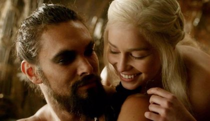 El emotivo reencuentro de Emilia Clarke (Daenerys Targaryen) y Jason Momoa (Khal Drogo)