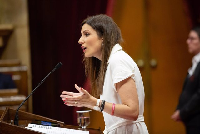 La portaveu de Ciutadans en el Parlament, Lorena Roldán, durant la seva intervenció en una sessió del ple del Parlament de Catalunya.