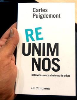 La portada del nou llibre de Carles Puigdemont