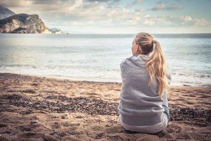 La soledad emocional, un riesgo en la juventud