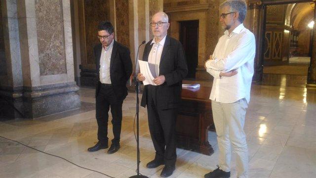 Al centre, el síndic de Greuges, Rafael Ribó.