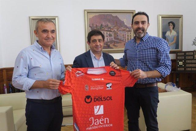 La Diputación renueva la colaboración con el Atlético Mengíbar