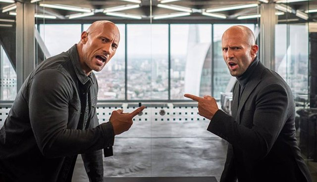 Fotograma de Fast and Furious: Hobbs and Shaw con Jason Statham y Dwyane 'La Roca' Johnson