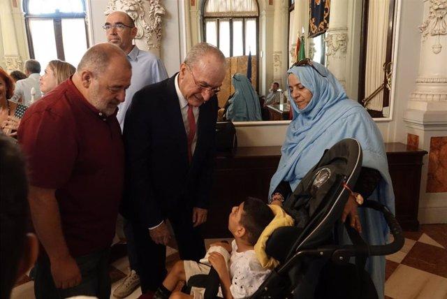 El Ayuntamiento De Málaga Informa: El Ayuntamiento Recibe A Los Niños Y Niñas Saharauis Que Pasan El Verano Con Familias Malagueñas