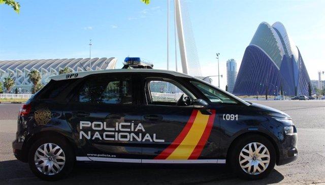 Coche de policía en Valncia