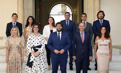 Toman posesión de su cargo los diez consejeros del Gobierno de coalición de Murcia