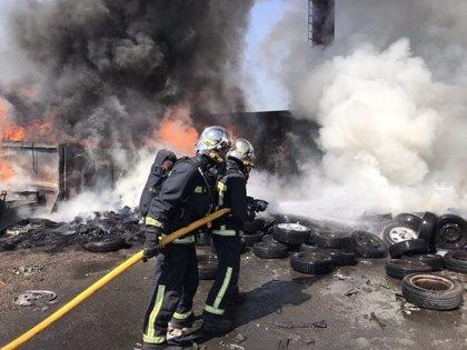 Arde una chatarrería en Leganés sin provocar heridos