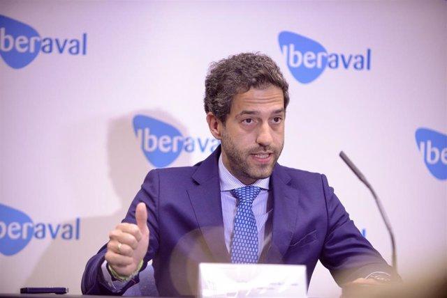 El nuevo presidente de Iberaval, César Pontvianne, informa de la actividad de la SGR en el primer semestre del año.