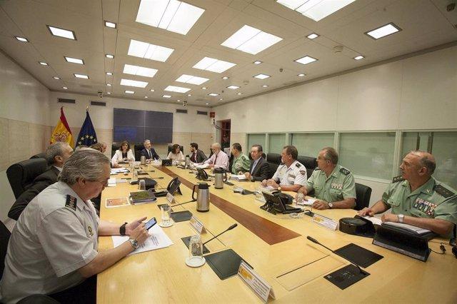 El ministro del Interior en funciones, Fernando Grande-Marlaska, en la reunión para analizar los resultados del Plan Especial de Seguridad del Campo de Gibraltar.