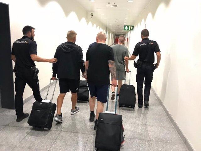 Detenidos cinco jóvenes en el aeropuerto de Alicante