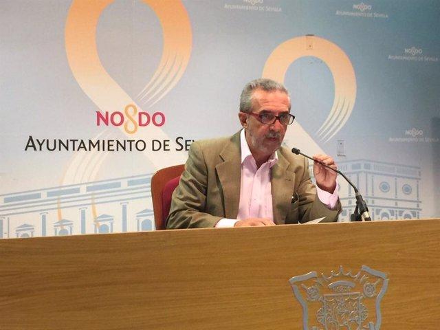 El responsable de Bienestar Social y Empleo de Sevilla, Juan Manuel Flores
