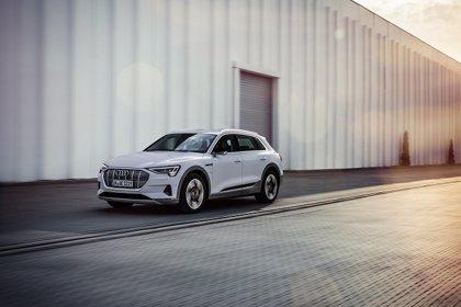 Audi amplía la gama del e-tron con una nueva versión de acceso