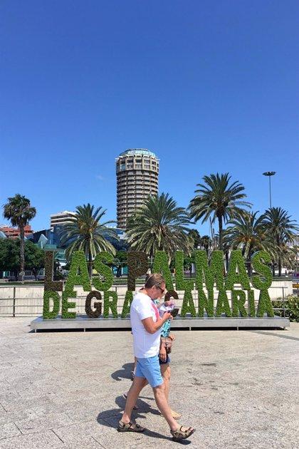 Canarias alcanza los 6,6 millones de turistas hasta junio, un 2,8% menos