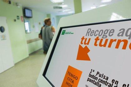 """Médicos del Virgen del Rocío denuncian ante Fiscalía """"la sobrecarga laboral inasumible"""" en Urgencias en verano"""