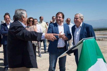 Fernández Vara avanza que en la próxima primavera se podrá aprobar el Plan de Energía y Clima de Extremadura
