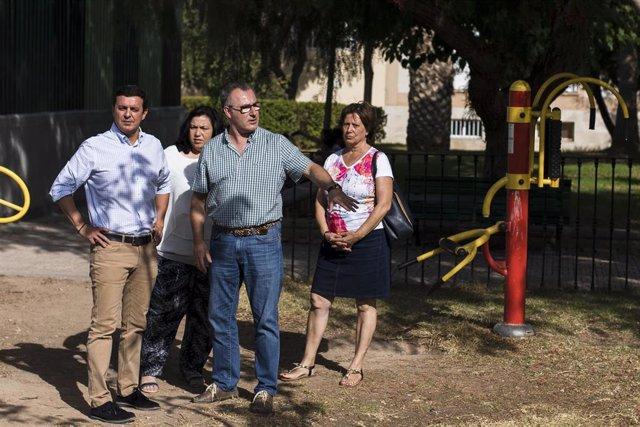 García viista el 'Huerto Rosalía' de Alhama