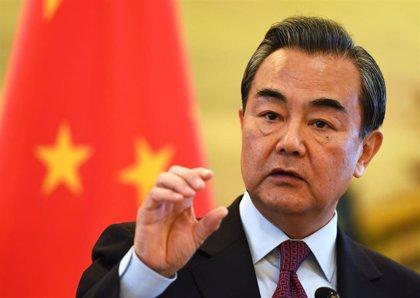 """China pide a EEUU """"cautela"""" en sus críticas relacionadas con Taiwán, Hong Kong y Xinjiang"""