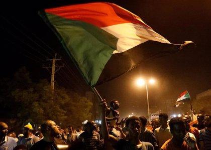 La junta y la oposición de Sudán retomarán hoy las conversaciones sobre la declaración constitucional