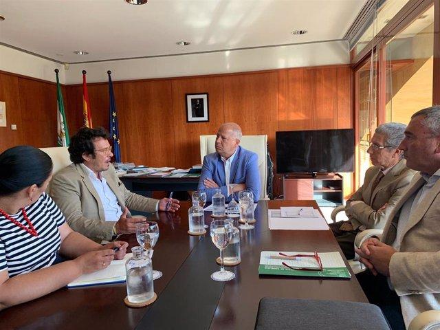 Javier Imbroda durante la reunión con José María González