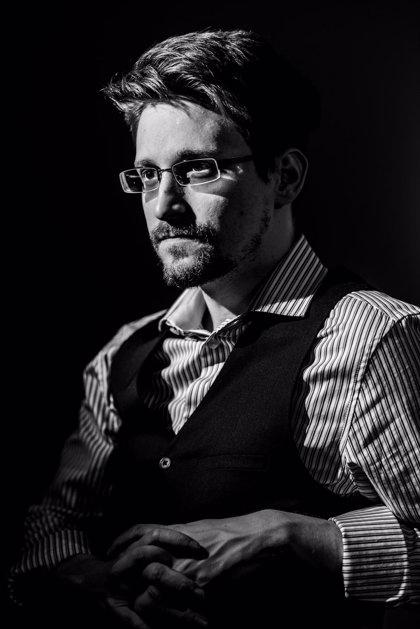 Planeta publicará en septiembre 'Vigilancia permanente', las memorias de Edward Snowden
