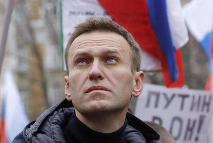 El opositor Alexei Navalni denuncia oficialmente que fue envenenado bajo custodia y pide una investigación