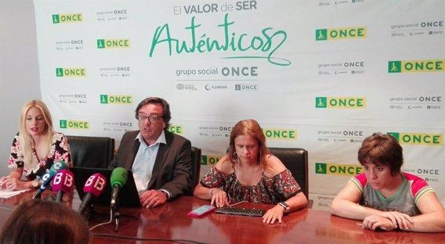 El delegat territorial de l'ONCE a Balears, José Villaseca, aquest dijous a la presentació d'un informe a Palma.