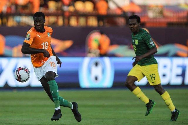 Nicolas Pepe con Costa de Marfil