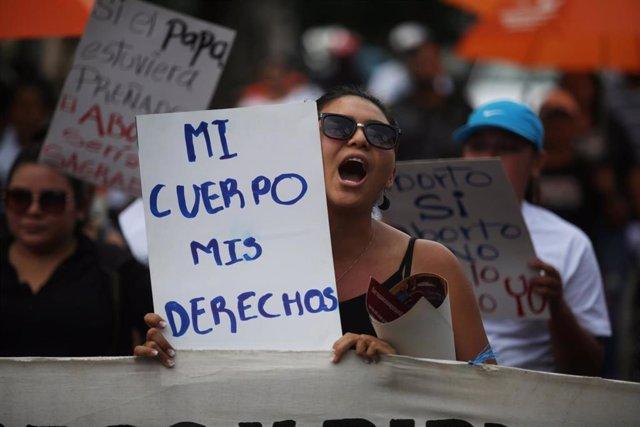 Protesta por la despenalización del aborto en El Salvador