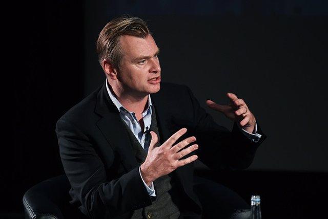 El aclamado cineasta Christopher Nolan ha salido en defensa del 70mm en el cine y ha celebrado que Quentin Tarantino estrena su nueva película, 'The Hateful Eight', en este formato. El director de 'Origen' también ha comentado que se está devaluando e