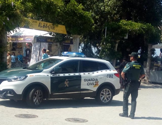 Detenido un vecino de Vilagarcía por tráfico de drogas en la Fiesta del Albariño de Cambados (Pontevedra).