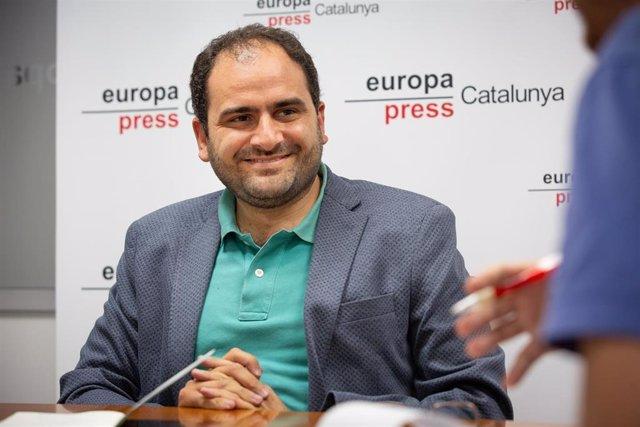 El presidente de Societat Civil Catalana (SCC) y es exdiputado del PP en el Parlament catalán, Fernando Sánchez Costa, durante una entrevista para Europa Press.