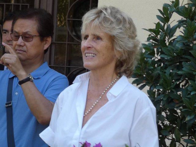 Mercedes Milá en el funeral de su madre, Mercedes Mencos