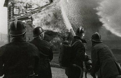 Una investigació revela que el règim franquista va construir refugis a Barcelona després de la guerra (ARCHIVO FOTOGRÁFICO DE BCN - CARLOS PÉREZ DE ROZAS)