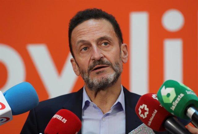 El diputado y portavoz adjunto de Ciudadanos en el Congreso, Edmundo Bal, responde a los medios en la Sede Nacional d Ciudadanos ubicada en la Calle Alcalá de Madrid.