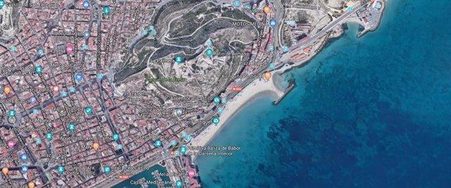 Playa El Postiguet donde se ha realizado el rescate