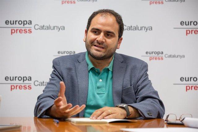 El president de Societat Civil Catalana (SCC) i és exdiputat del PP en el Parlament català, Fernando Sánchez Costa, durant una entrevista per a Europa Press.
