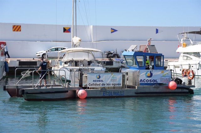 Acosol pone en marcha, por tercer año consecutivo, el servicio de embarcaciones para el control de calidad de las aguas en el litoral durante los meses de verano