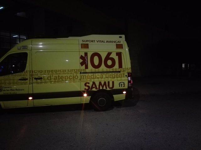 Vehicle del Servio d'Atenció Mèdica Urgent (SAMU)