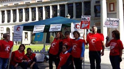 Los afectados de hepatitis C piden el cese de los miembros del Comité del PEAHC que tengan relación con farmacéuticas